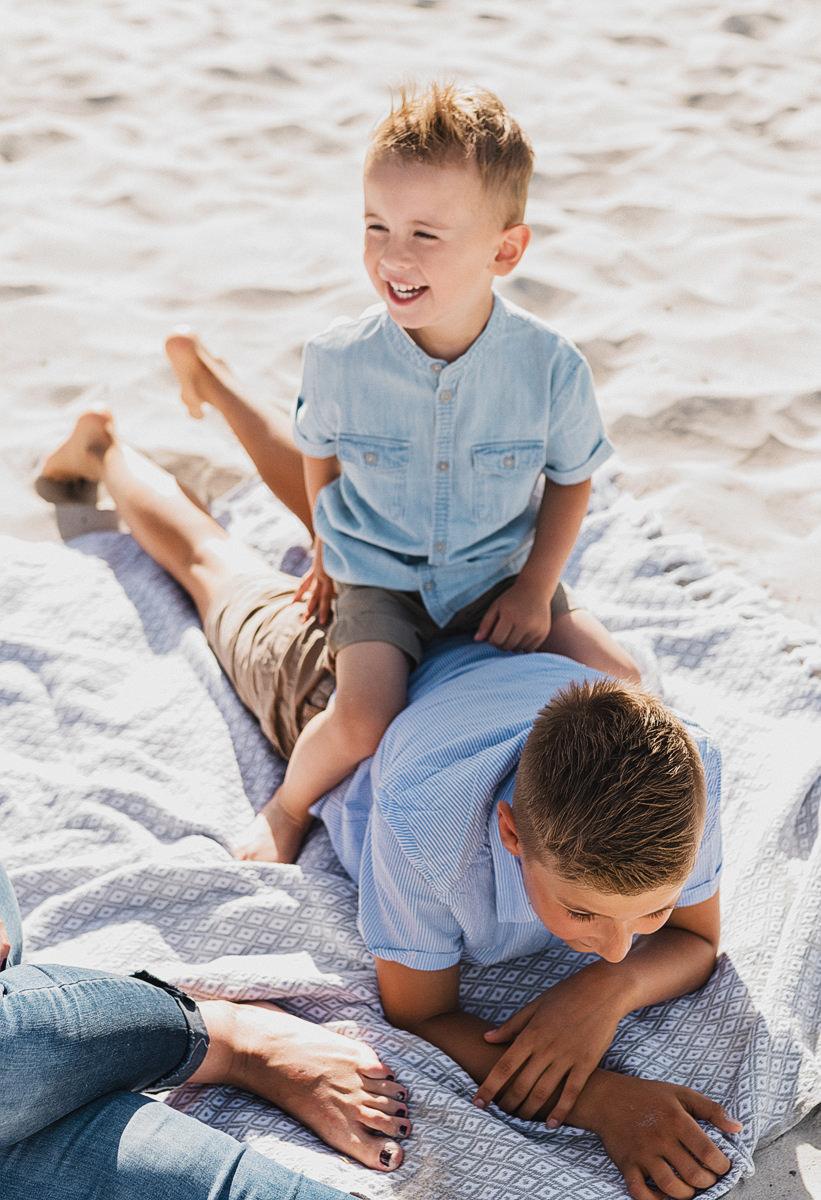 Familienshooting auf Rügen - Fotografin für Familien, Kinder und Paare an der Ostsee - Familienfotos in Prora,Binz,Sellin und am Kap Arkona