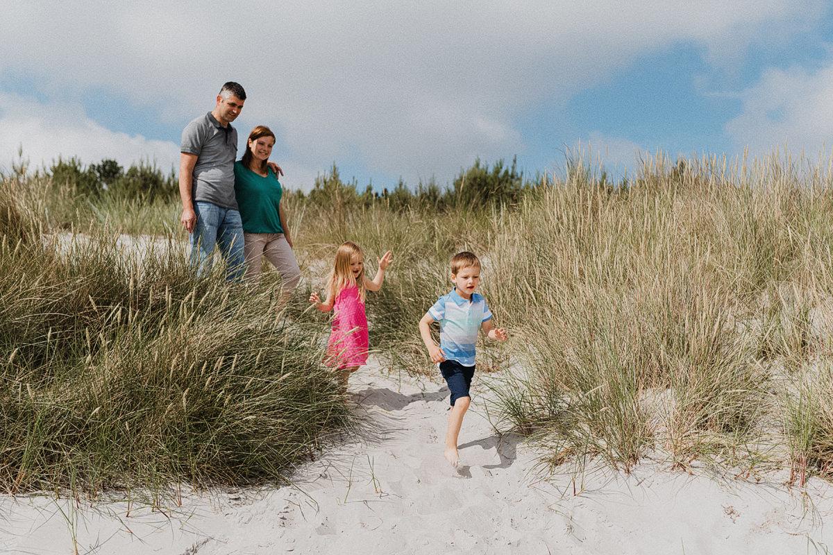 Familienfotograf Ostsee - Familienshooting auf Rügen, Usedom, Darß - Familienfotos in Binz, Warnemünde, Zingst