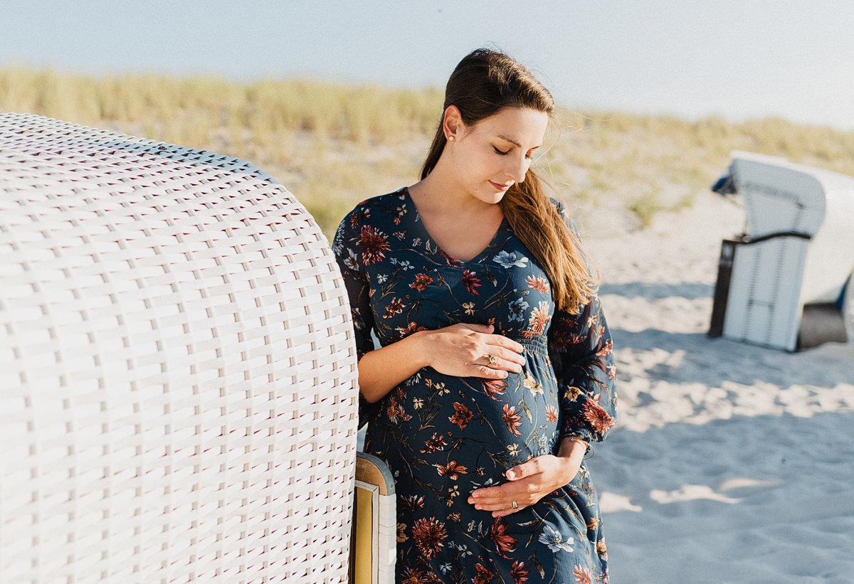 Babybauchshooting in Binz auf Rügen - Babybauchfotos in Graal Müritz auf dem Darß - Babybauch Shooting auf Usedom am Strand