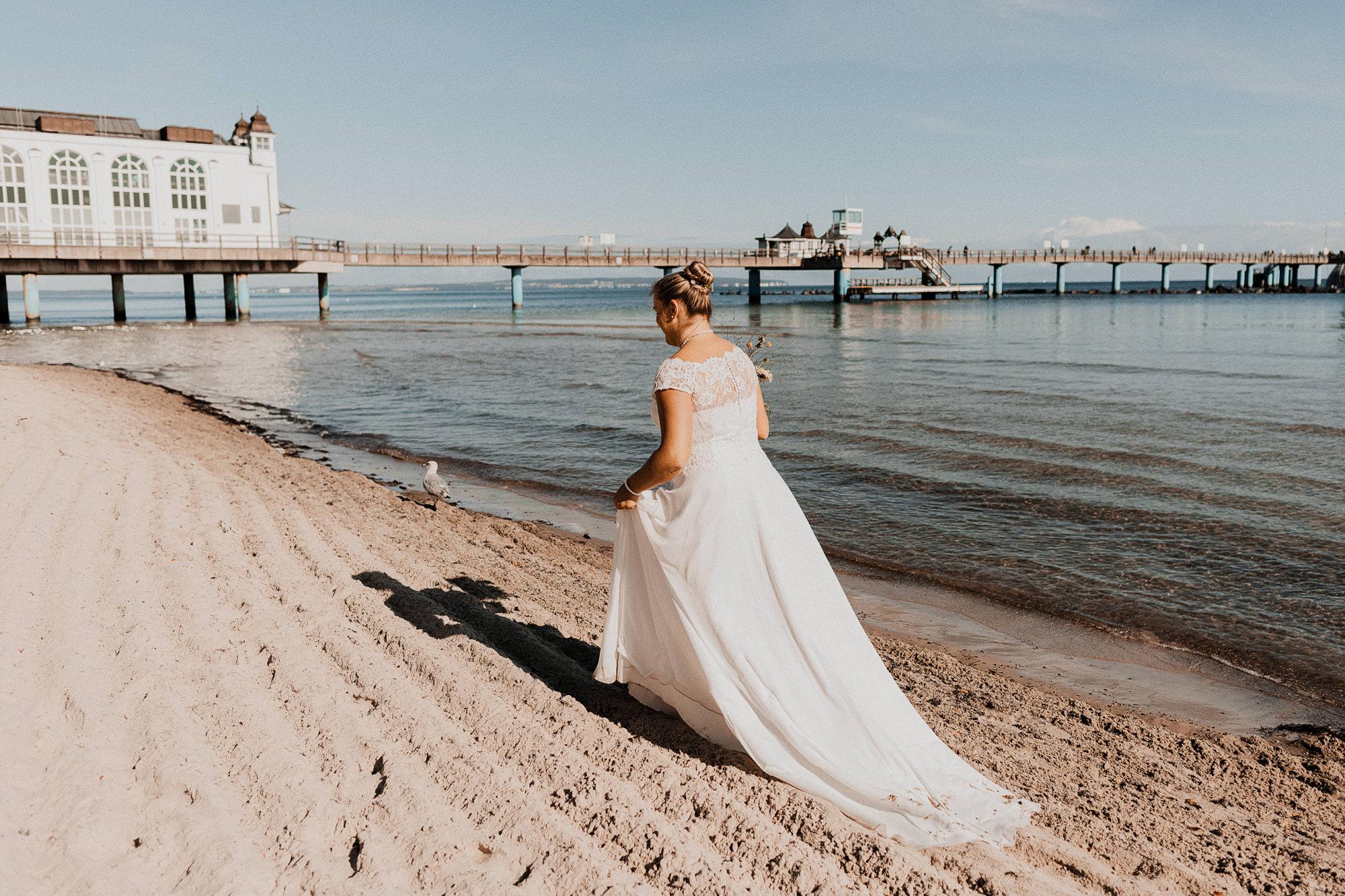 Brautpaarshooting in Warnemuende - After Wedding Fotografie in Rostock - bucht ein Paarshooting an der Ostsee