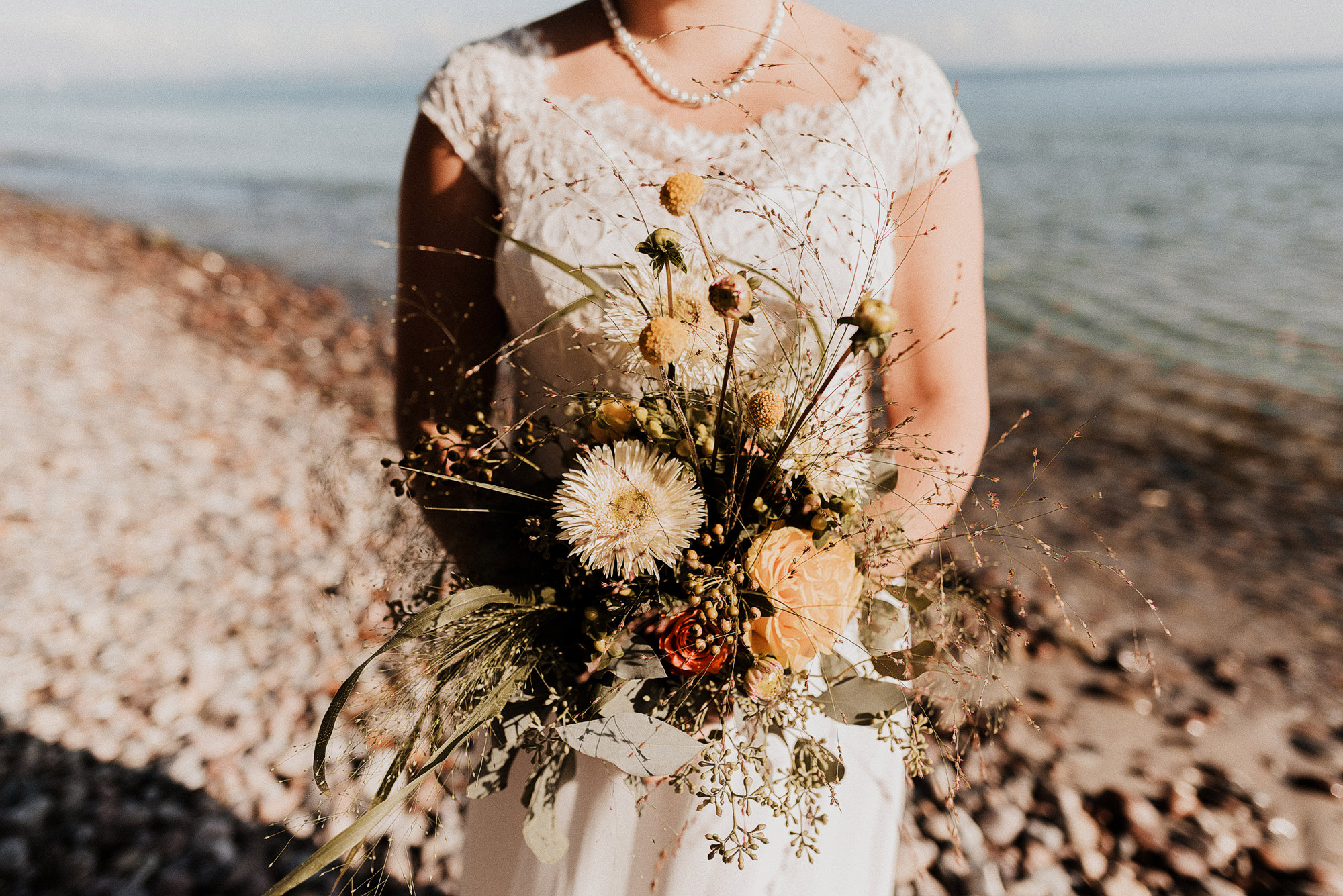 After Wedding - Paarshooting - Ostsee - Pärchenfotos - Rügen - Warnemuende - Rostock - Elopement - Darß - Hochzeit - Heiraten
