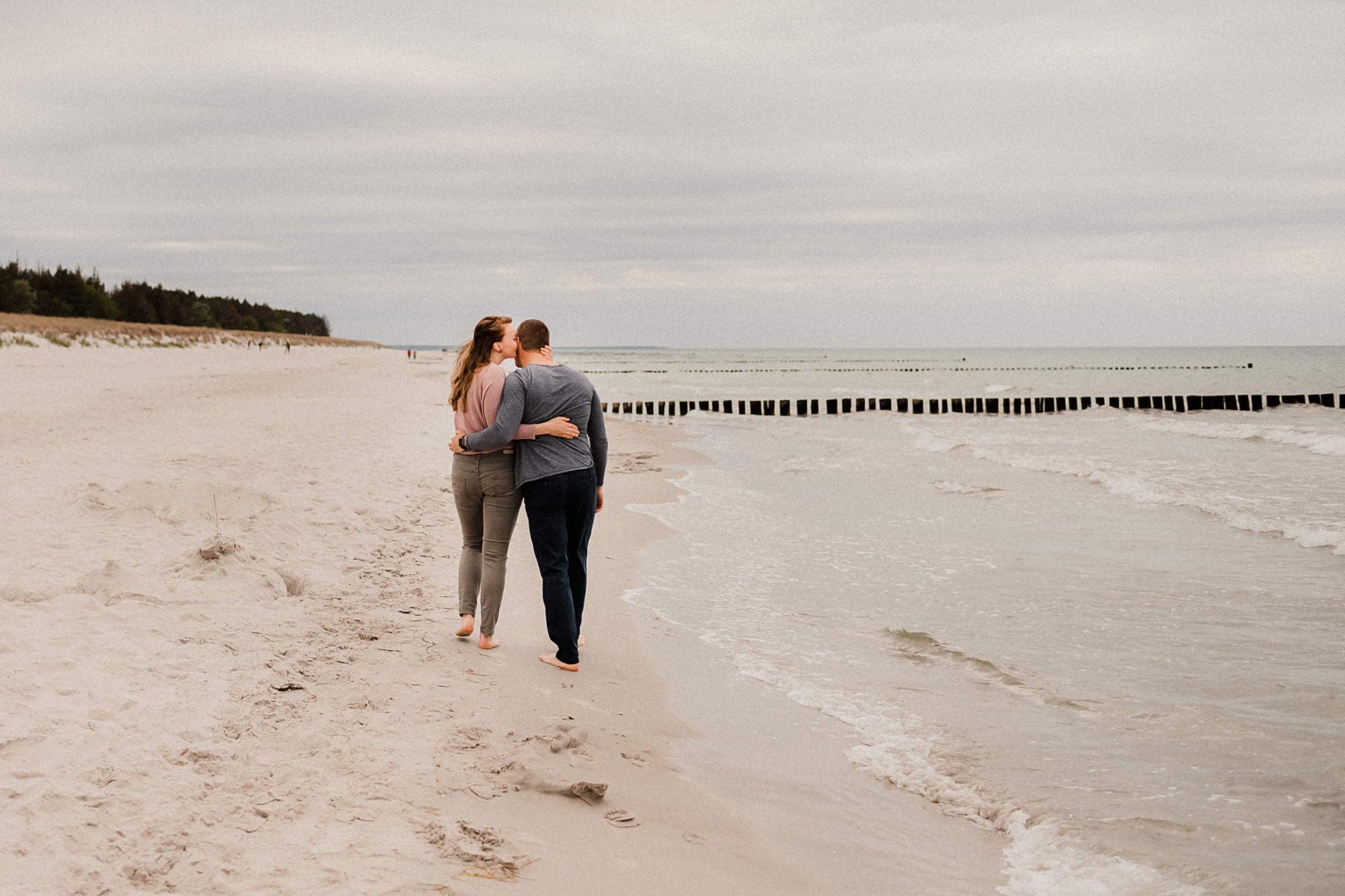 Paarshooting - Zingst - Pärchenfotos - Strand - Fischland Darß - After Wedding - Ostsee