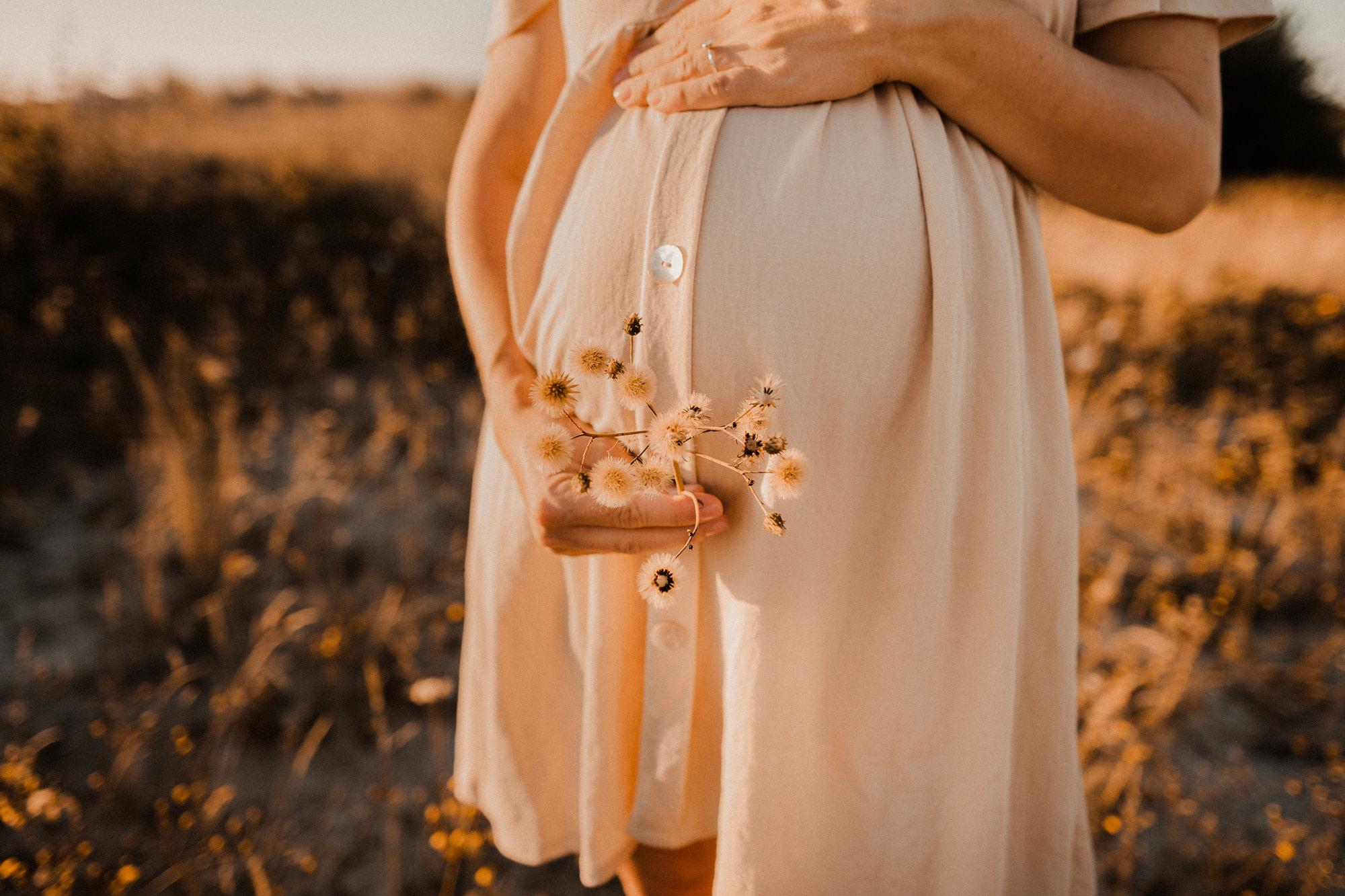 Babybauchshooting in Wustrow - Fotograf für Schwangere auf Fischland Darß - Babybauchfotografie in Zingst & Prerow