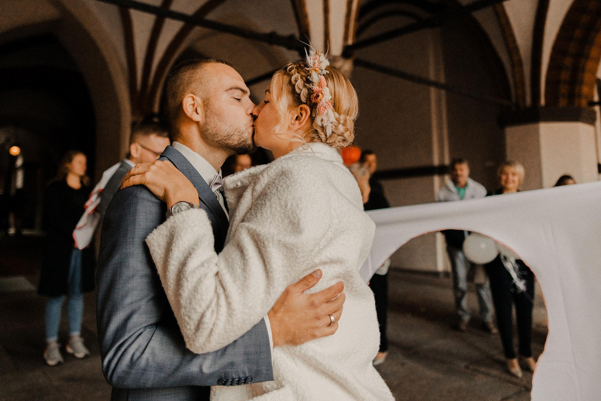Hochzeit - Stralsund - Fotograf - Hochzeitsfotografie - Standesamt - Kapelle St. Annen und Brigitten - Hochzeitsfotografie - Rügen