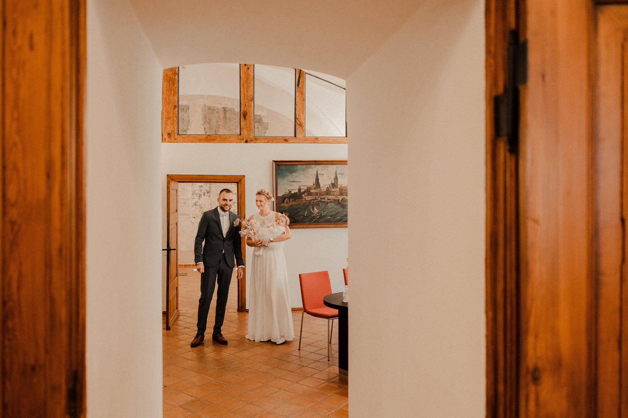 Hochzeitsfotograf Rügen - Heiraten im Standesamt Stralsund - Hochzeitsfotos Stralsund - Stralsunder Fotograf - Hochzeitsfotografie