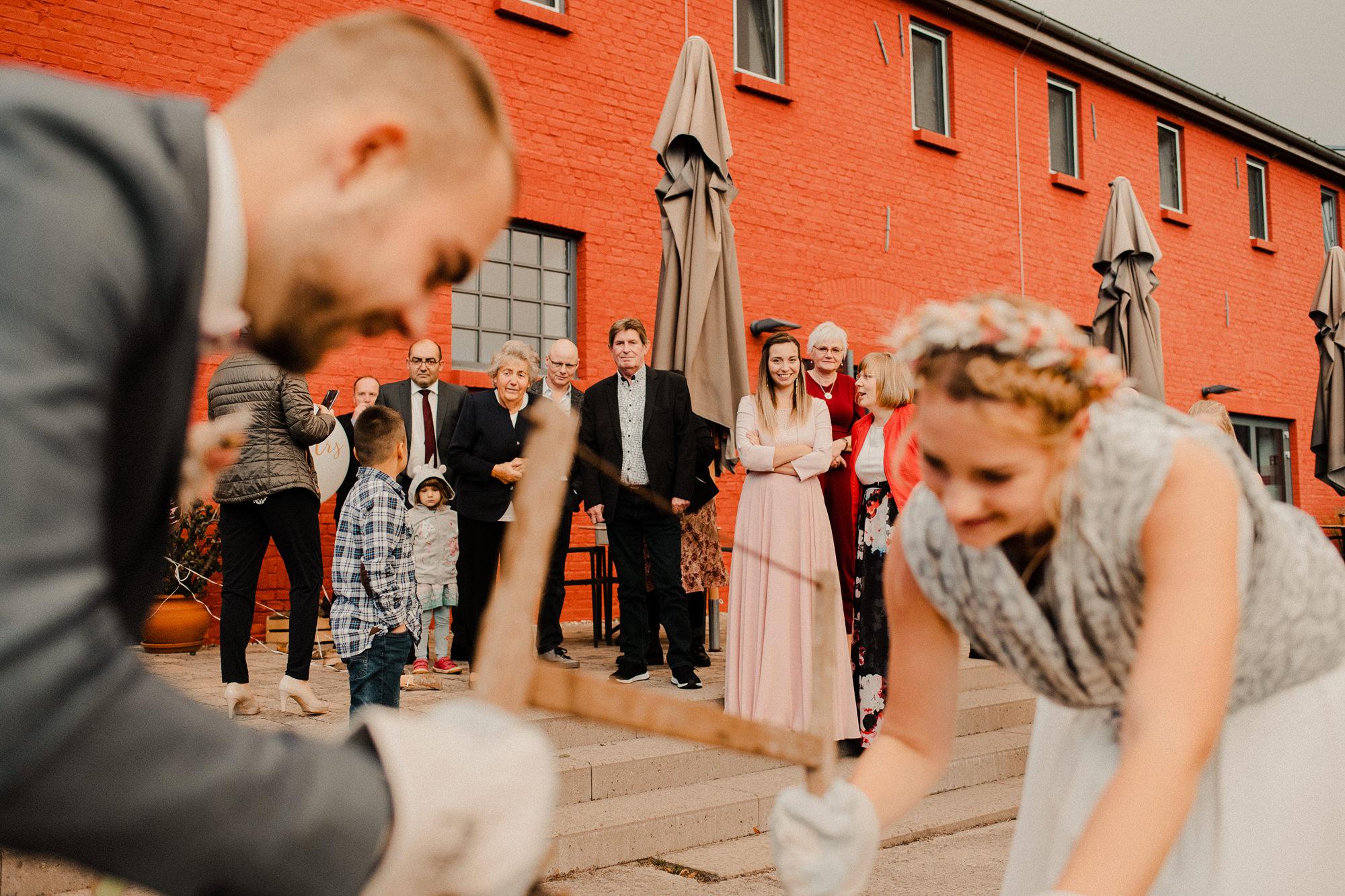 Hochzeitsfotograf - Stralsund - Scheelehof - Hochzeitsfeier - Minimanufaktur Parow - Fotograf - Standesamt - Stralsund - Brautpaarshooting - Hochzeitsshooting